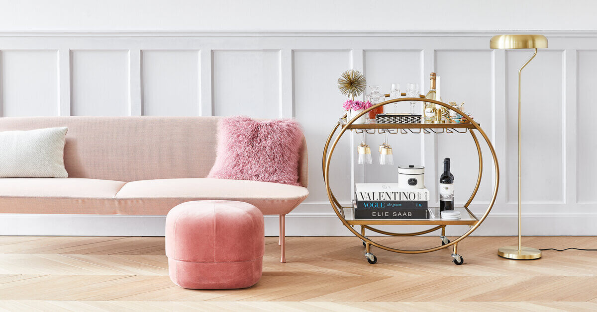 Glamour styl bydlení, taburety a pufy, barové vozíky a stolky